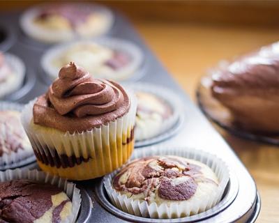 Mramorové muffiny s krémom