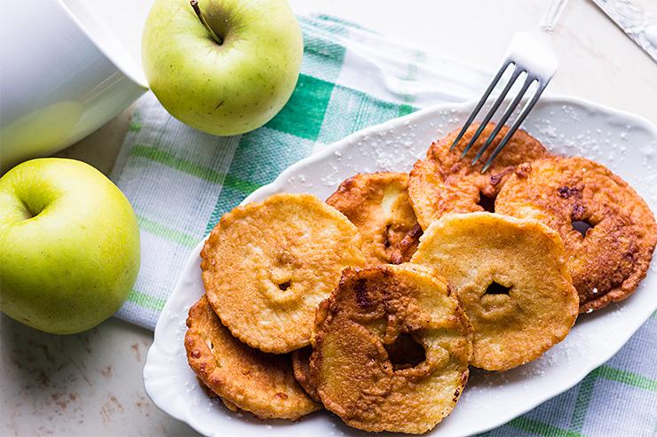 Jablkové plátky v palacinkovom cestíčku