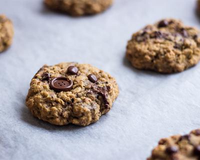 Melasové vločkové cookies
